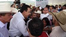 Inaugura Omar Fayad obras importantes para habitantes de la Misión y Jacala1