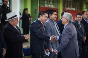 Alcalde promueve con alumnos de secundaria programa cívico Honrando a mi Bandera en la providencia