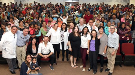 Fundación Smile Train realiza visita a Hospital del Niño DIF3