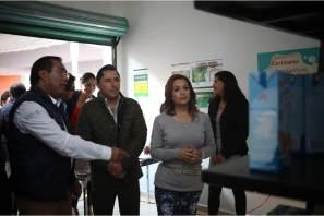 Firma DIF Municipal convenio para abastecimiento de leche Liconsa, durante reapertura de lechería en Pachuquilla