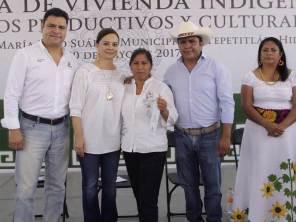 Nuvia Mayorga Delgado entrega viviendas en la comunidad José María Pino Suárez, Tepetitlán