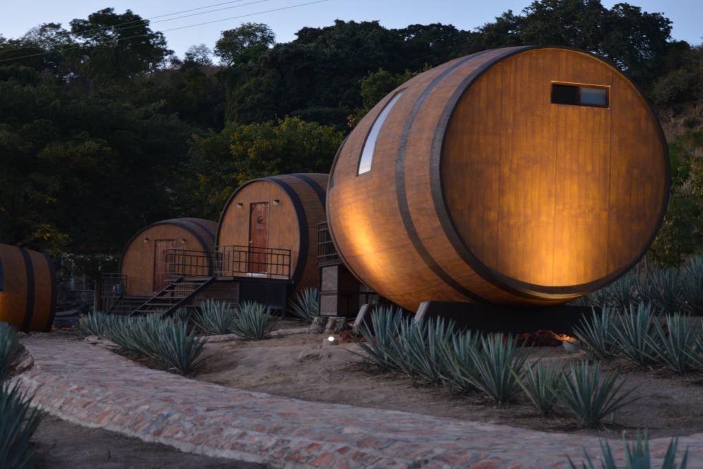 ¿Dormir en una barrica de tequila? Sí ahora se puede…