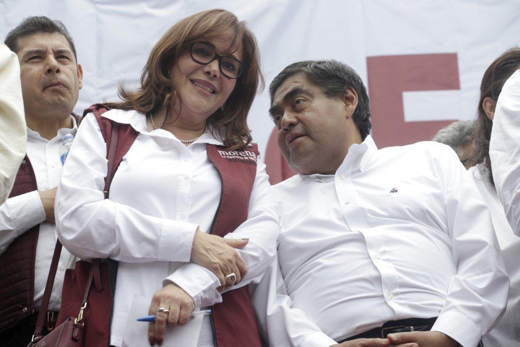 Denuncian a Yeidckol Polevnsky por imponer a candidatos 'impresentables como el de Puebla'