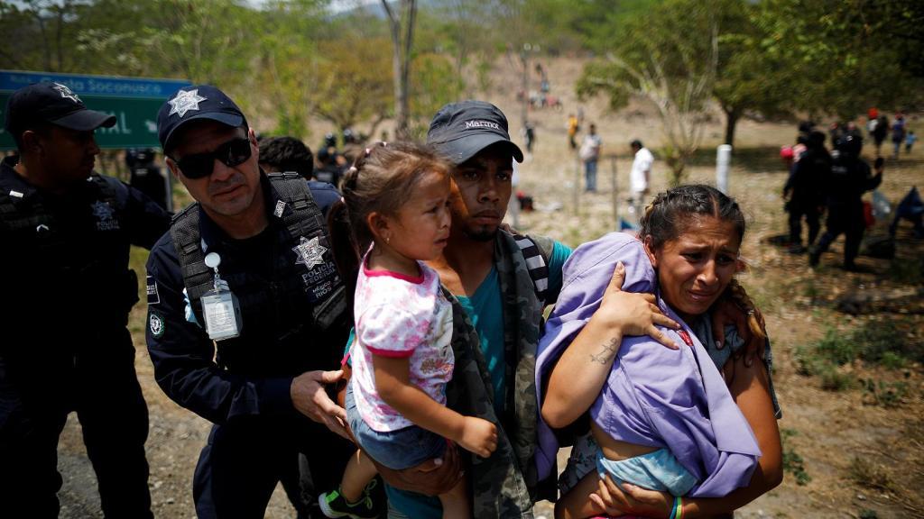 Detiene el Gobierno de México a migrantes centroamericanos, endurece su política migratoria