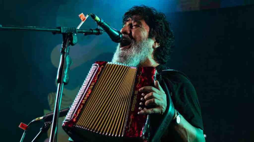 Muere el cantante Celso Piña, el rebelde del acordeón