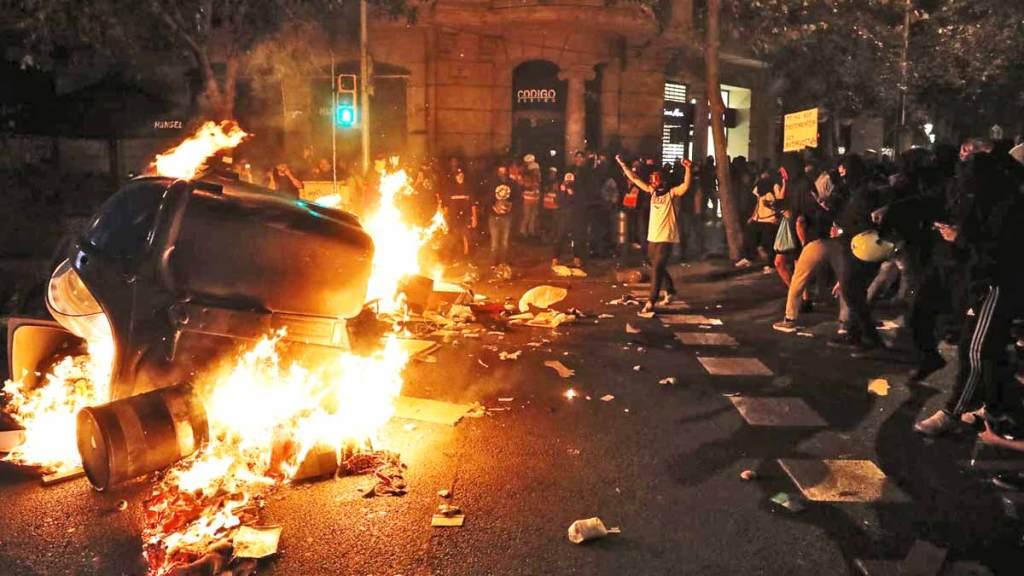 Protestas independentistas colapsan Barcelona, hay detenidos