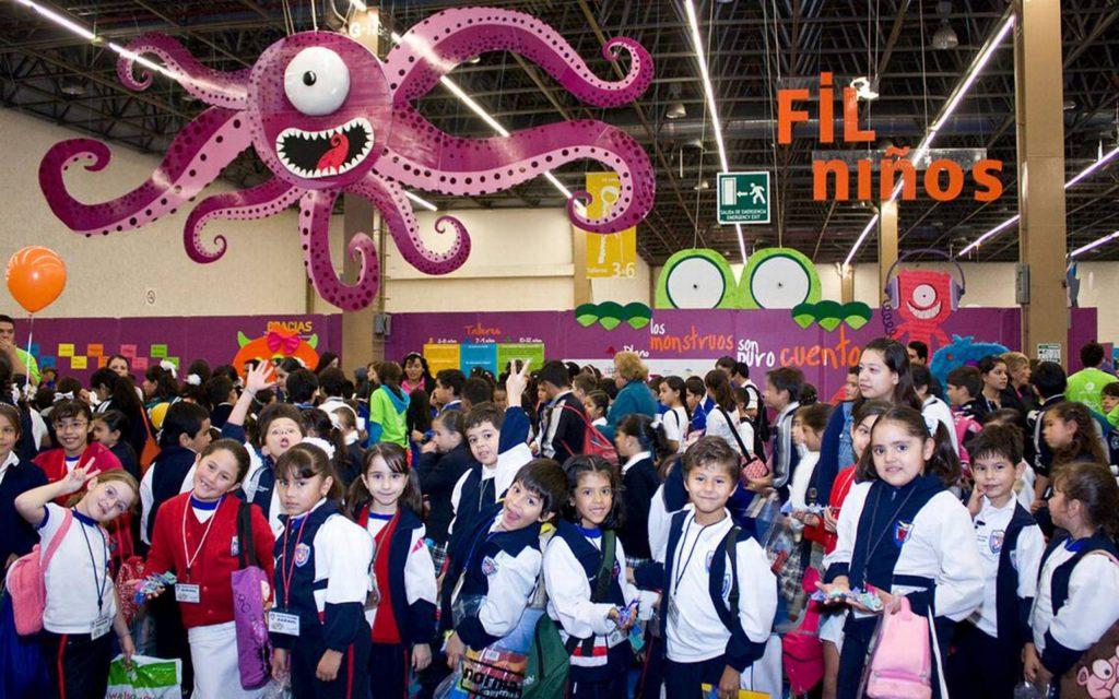 Creación y aprendizaje una aventura para niños y niñas en la Feria del Libro de Guadalajara