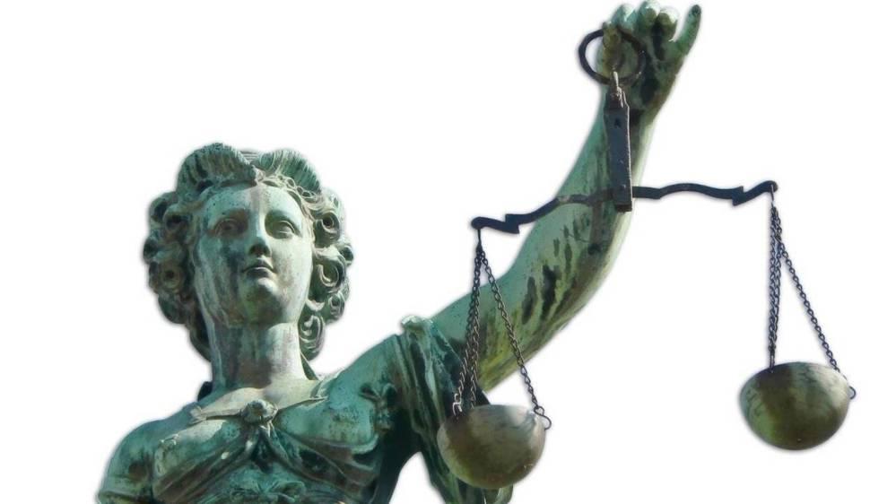 Apuntes sobre la Politización de la Justicia Constitucional: Implicaciones en la Democracia y el Estado de Derecho