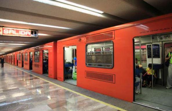 En VIDEO, le aplican llave china a ladrón de celulares en el metro de la Ciudad de México