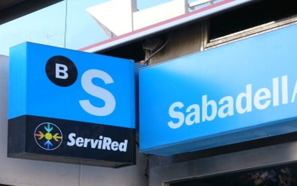 Banco Sabadell ofrecerá créditos de hasta 45 mil pesos a clientes de Movistar en México
