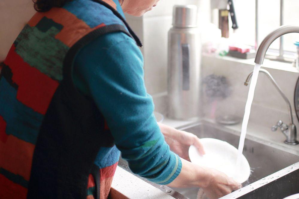 Hombre deberá pagar indemnización a su exmujer por realizar las labores del hogar