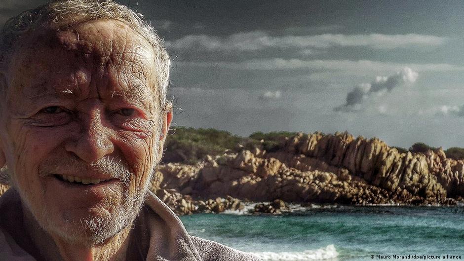 Mauro Morandi, el 'Robinson Crusoe' italiano abandona una isla después de 32 años