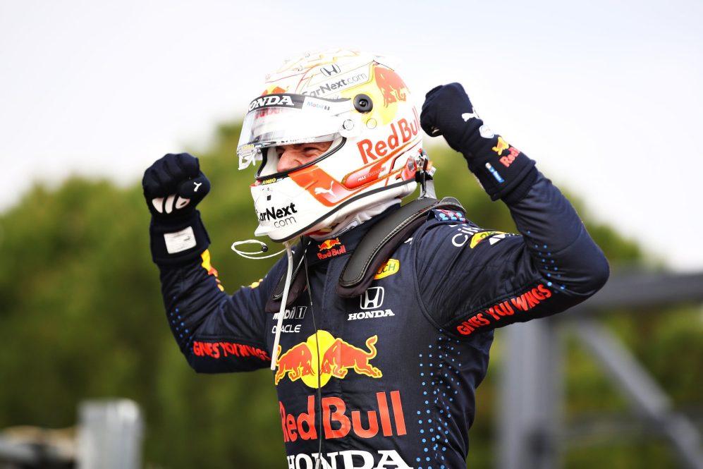 Max Verstappen gana el Gran Premio de Emilia Romagna en Italia, mal día para Checo Pérez