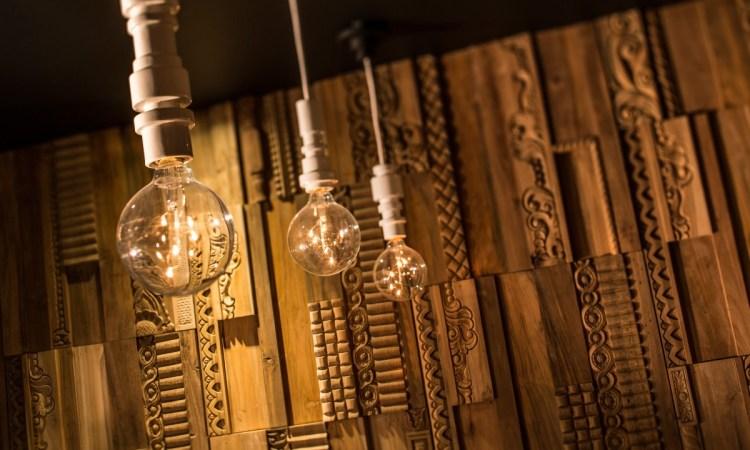Wonderwall-Studios-Reclaimed-Recycled-Wood-Wooden-Wallpanels-Wall-panels-Wall-panelling-Phoenix7-1200x800