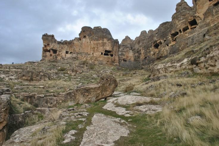 hasuda-the-caves-616469_1920