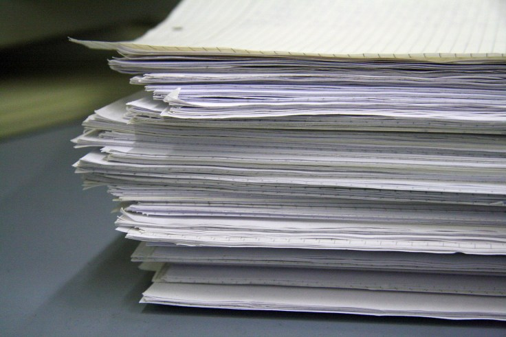 bürokratie dokumente ohne ende