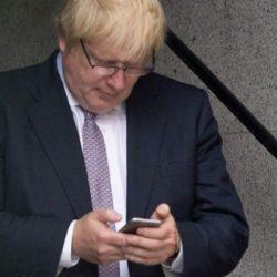 酷新聞:英外交部警告「國外使用同志交友軟體要小心」