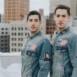 酷影像:同志模特儿双胞胎 分享超麻辣Grindr讯息