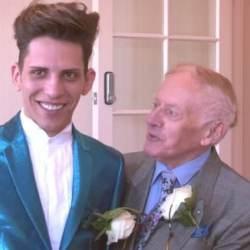 酷新闻:78岁退休牧师 与24岁鲜肉男友完成终身大事
