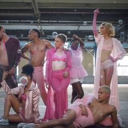 酷影音:健身房同志驕傲月 新廣告挺同志 精湛呈現力與美
