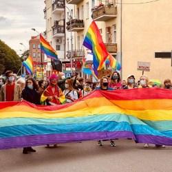 酷新聞:彩虹突破「恐同與挺同」邊界 逼哭網友