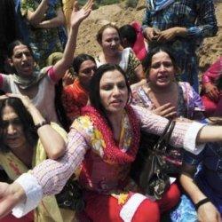 酷新聞:變性人表演團 遭集體綁架輪流性侵