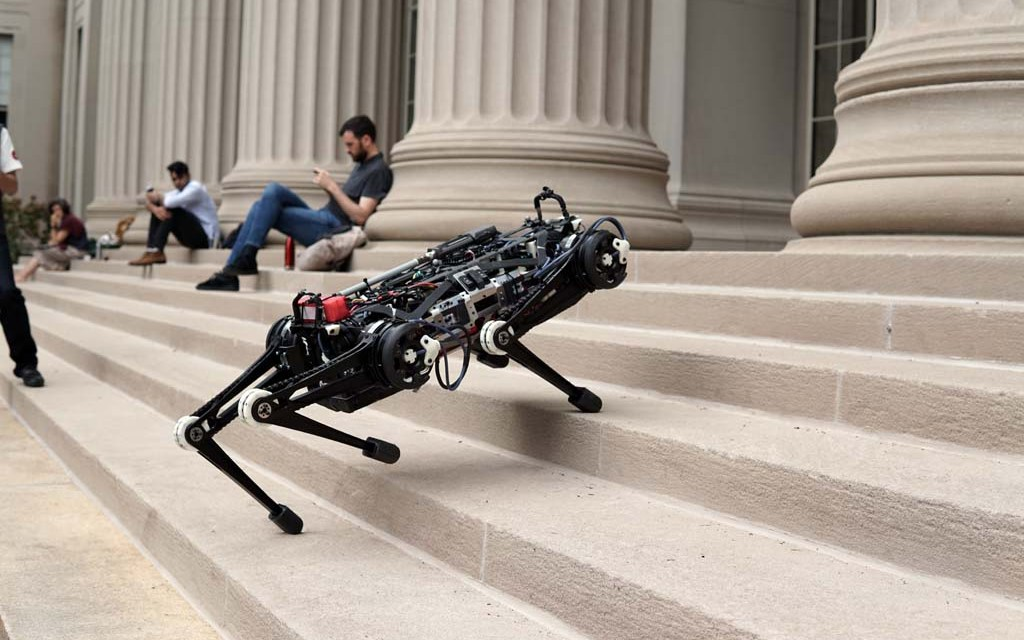 """Blind"" Cheetah 3 robot can climb stairs littered with obstacles"