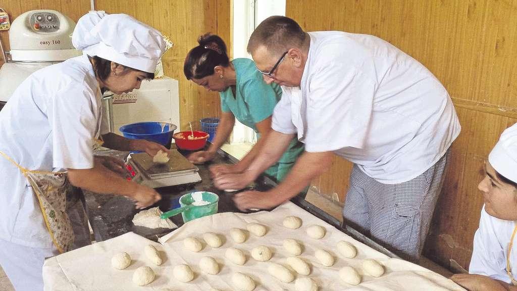 SES – Auslandseinsätze für Bäcker-Senioren!