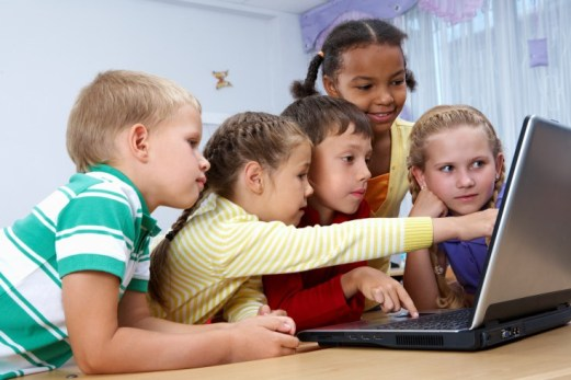 kids learn english with a laptop