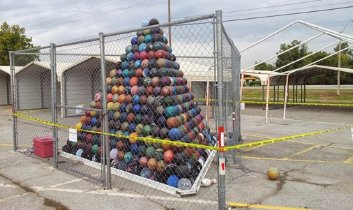 BowlingBallPyramid