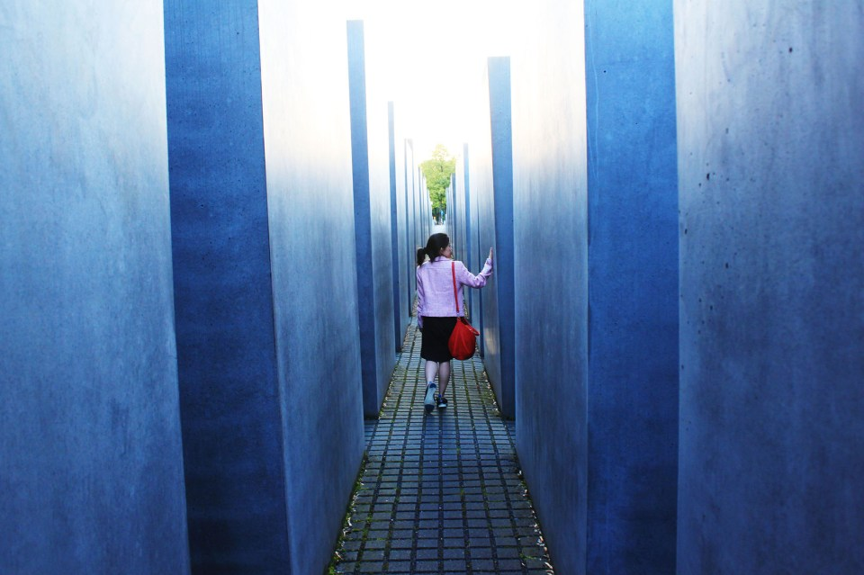 the holocaust memorial travel berlin