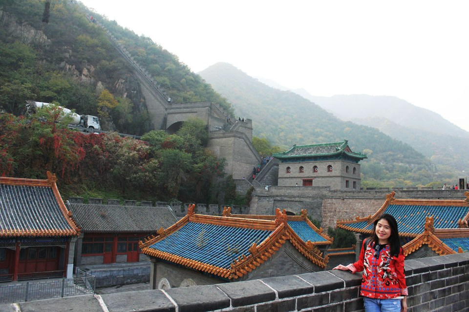 woman in front ot the great wall dream repurpose life