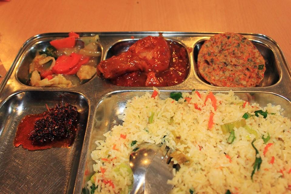 cheap food in remarko restaurant nuwara eliya sri lanka