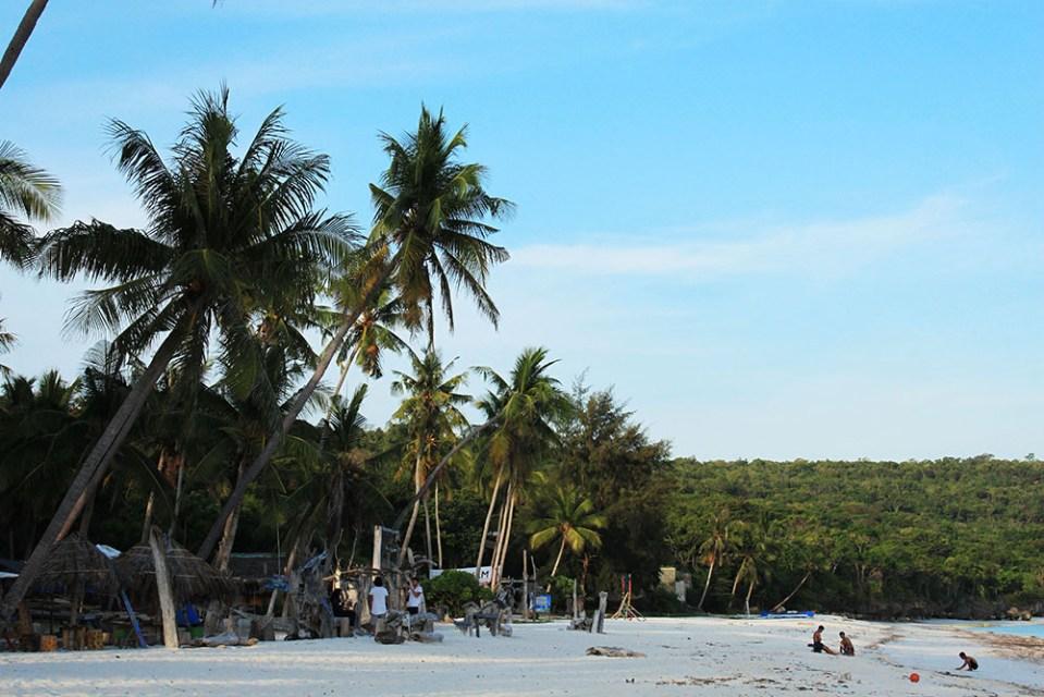 white sandy beach no people at Tanjung Bira near BaraCoco Bungalows
