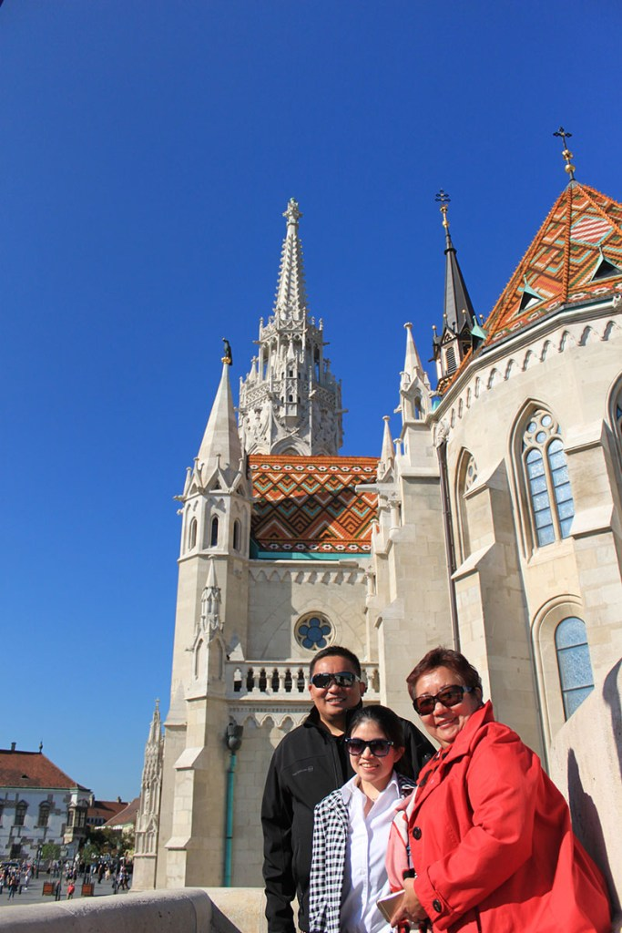 agirlnamedclara st matthias church budapest hungary trio asian travelers