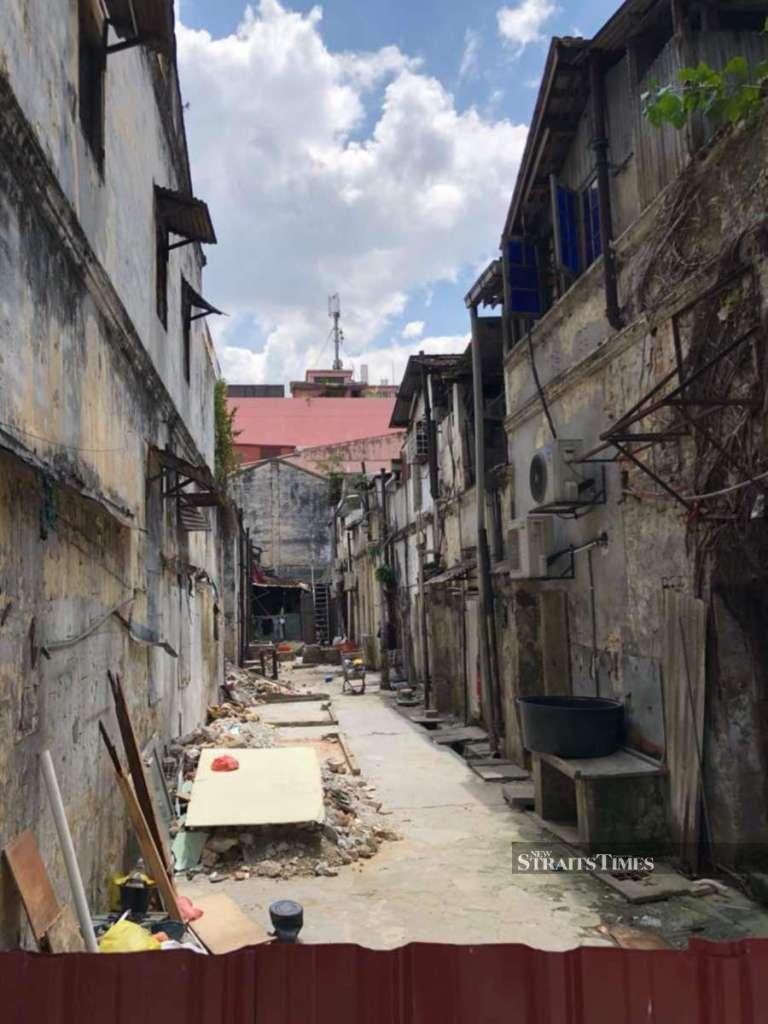 agirlnamedclara lorong panggung chinatown kl before makeover