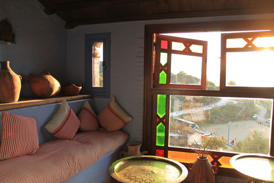 moroccan living room window sofa sunset chefchaouen_agirlnamedclara