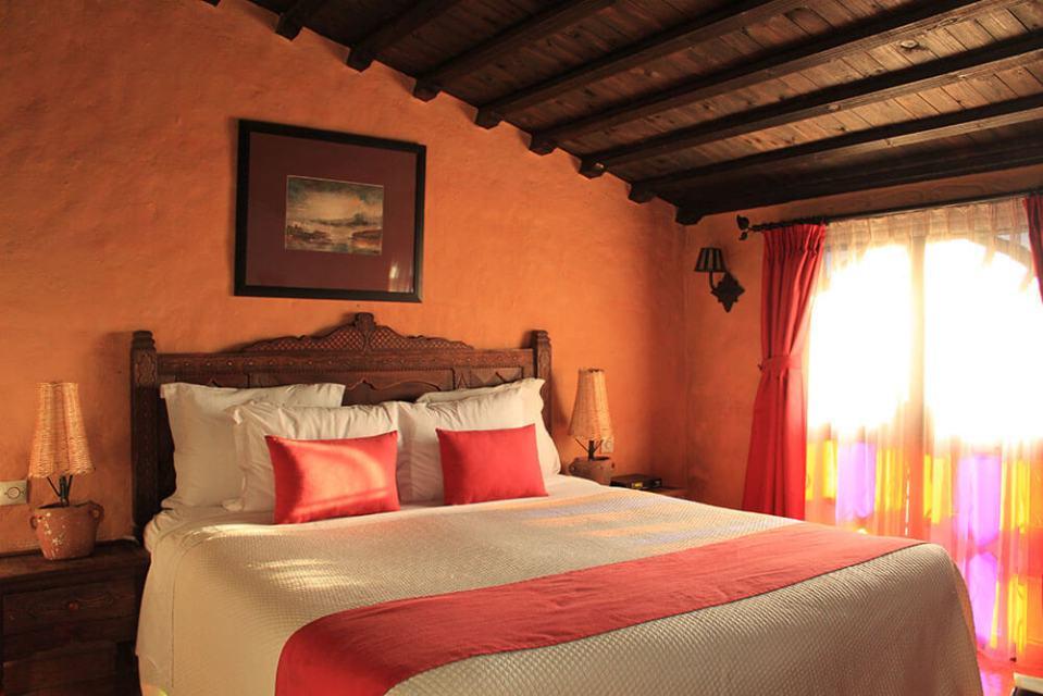 daerchchaouen chefchaouen morocco room sunset bed_agirlnamedclara