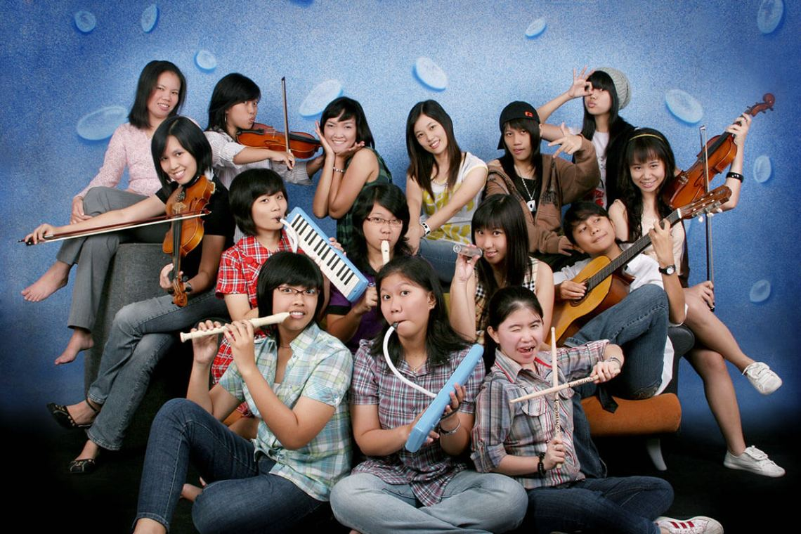 agirlnamedclara jogjakarta study girls play music photo shoot