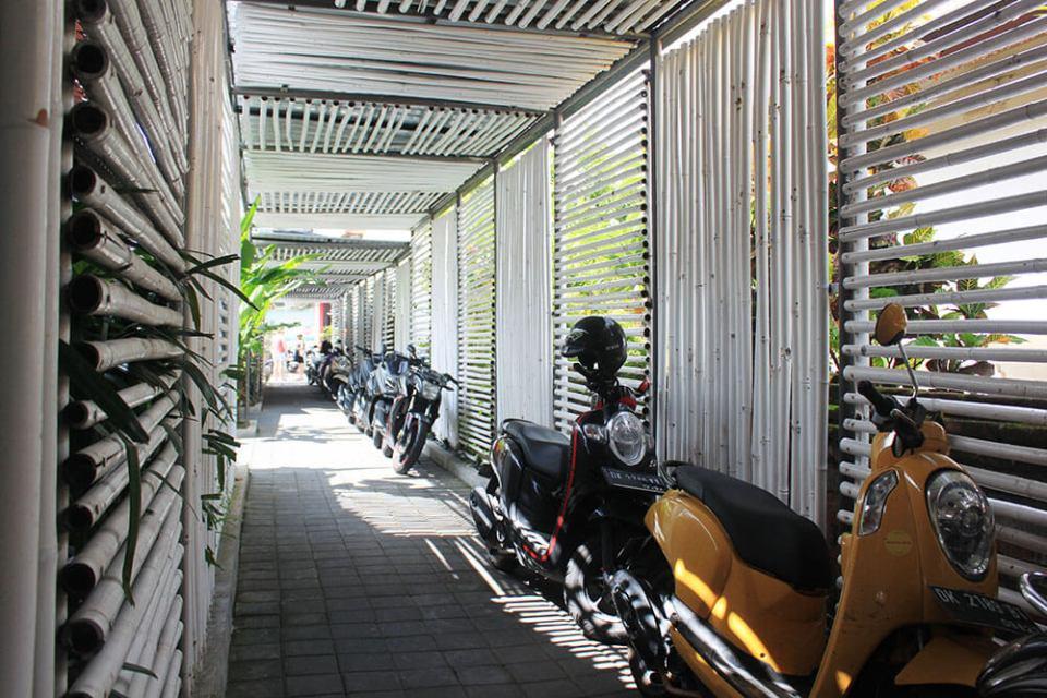 scooter rental a guide to choosing hostel seminyak bali agirlnamedclara