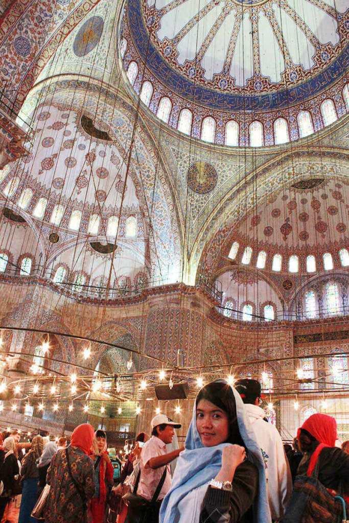 asian girl black hair light blue veil sophia hagia blue mosque turkey_agirlnamedclara
