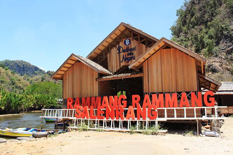 bukit rammang rammang boat entrance salerang makassar destination_agirlnamedclara