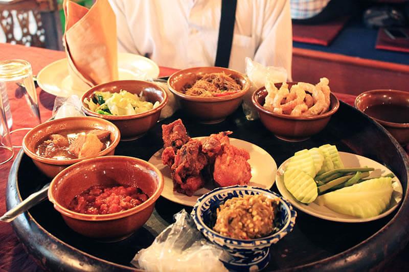 khantoke dinner cultural show platter_agirlnamedclara