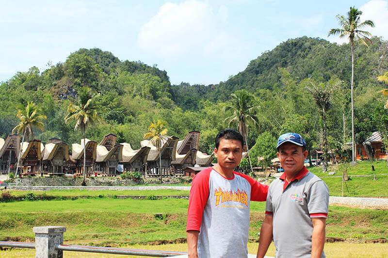local driver and guide toraja tour kete kesu background visit indonesia_agirlnamedclara