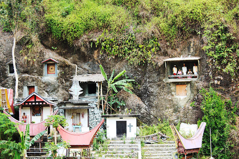 londa natural cave burial house toraja sulawesi indonesia trip_agirlnamedclara