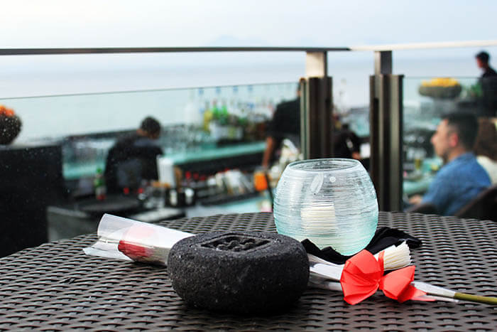 romantic date rock bar bali ayana resort and spa luxury travel_agirlnamedclara