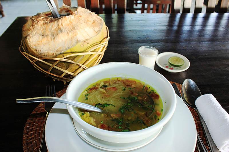 soto ayam fresh coconut kelapa muda makassar indonesian food_agirlnamedclara