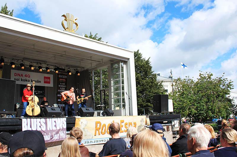 live bands and crowds in helsinki finland agirlnamedclara