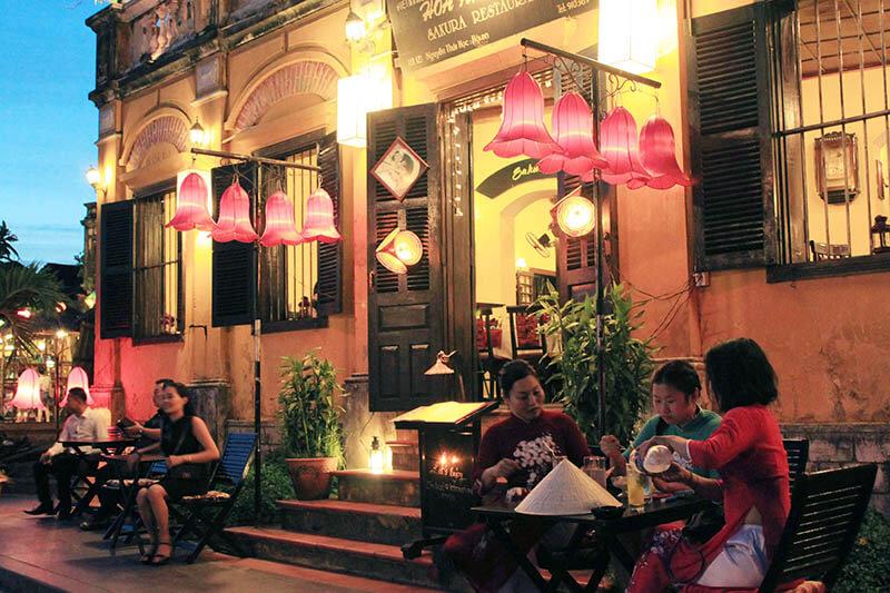 family roadside cafe sit outside hoi an nightmarket agirlnamedclara