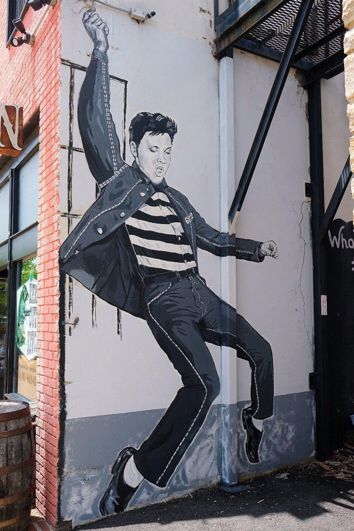 Elvis mural in downtown Tupelo